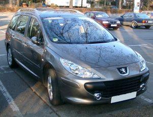 1280px-Peugeot_307_SW_front_20071217